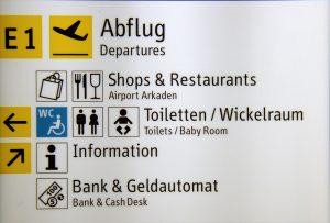 Wegweiser am Flughafen Düsseldorf (2004)
